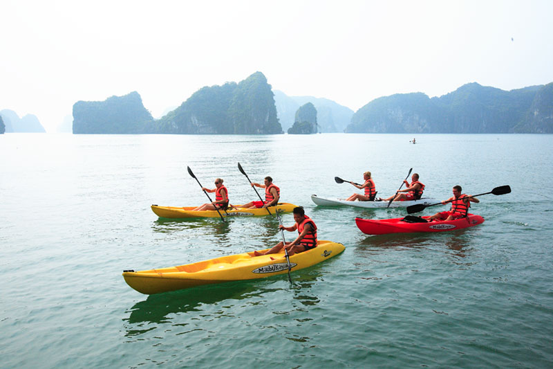 Vietnam tourism officials consider Covid-19 vaccine passports