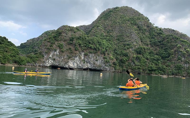Halong Kayaking