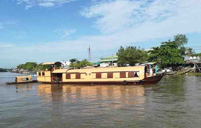 Song Xanh Sampan Cruises