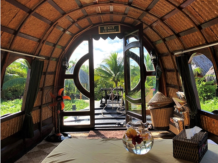 Mango Cruises Mekong