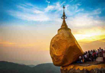 The Golden Rock and Yangon Tour