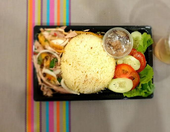 Hoi An steam rice with Chicken