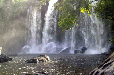 Phnom Kulen waterfall and Beng Mealea 1 day tour