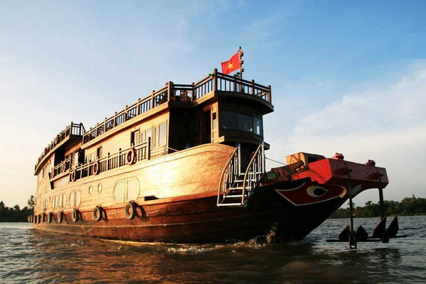 From Saigon to Phnom Penh on Mekong Eyes 3 days