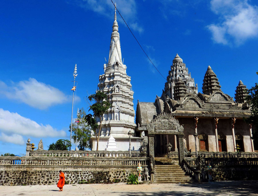 Phnom Srey and Phnom Pros in Kompong Cham
