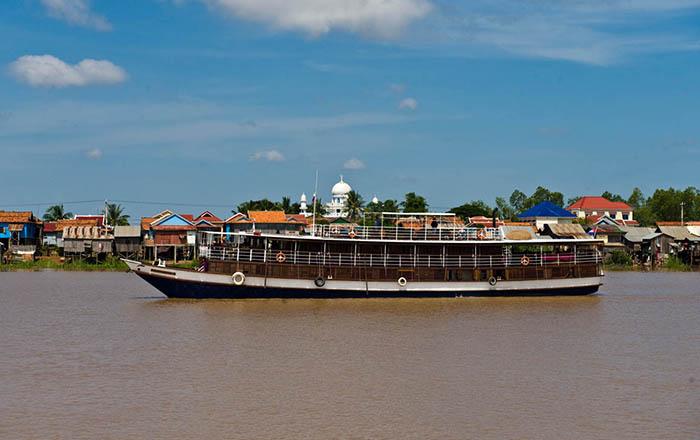 Toum Tiou Cruise Mekong