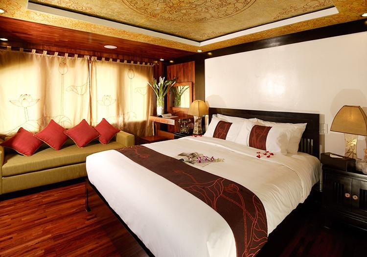 Valentine Premium Cabin