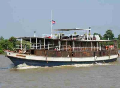 The RV Toum Tiou Cruise