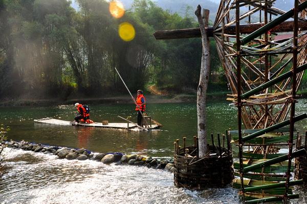 Rafting in Pu Luong