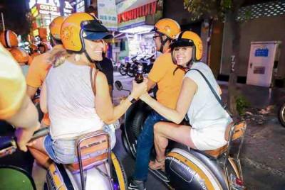 Saigon Vespa Tour with Street foods
