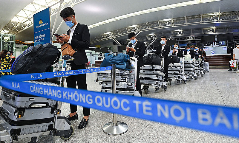 PM Nguyen Xuan Phuc Says Yes to Resuming Flights to Thailand