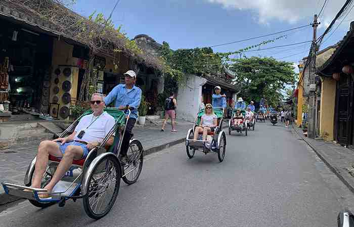 Vietnam to fully reopen for the tourists by June 2022