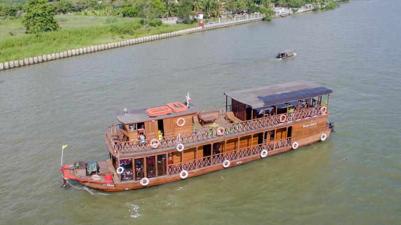Cruising in Mekong river