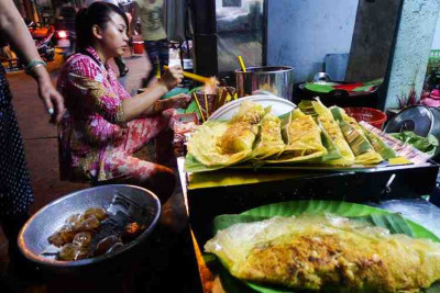 Ho Chi Minh City and Street Food Eat