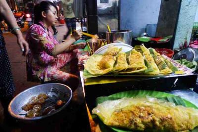 Ho Chi Minh City and Street Food Eat