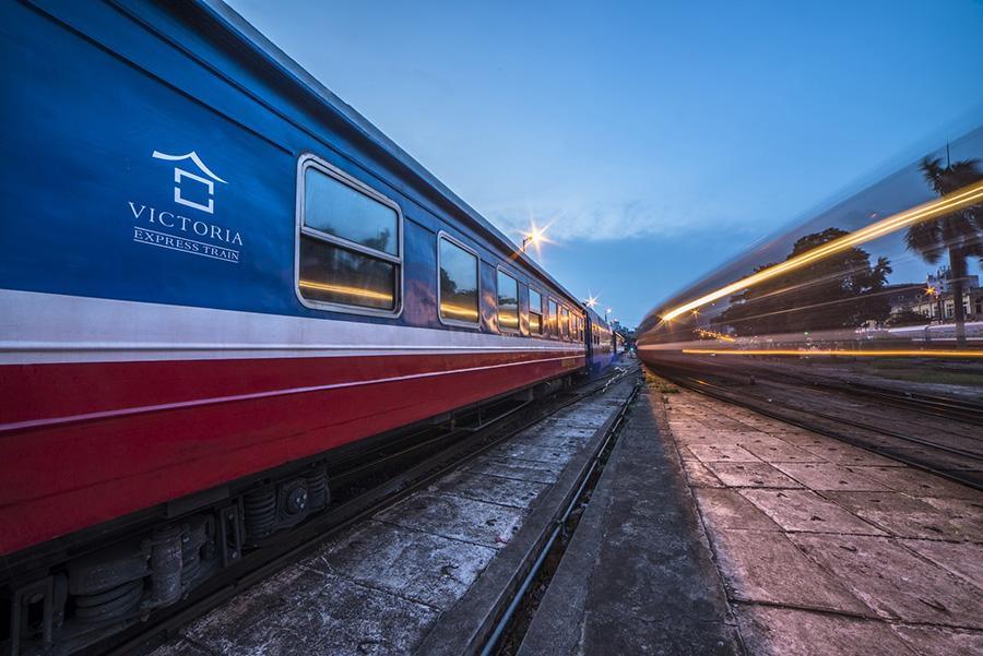 Victoria Train