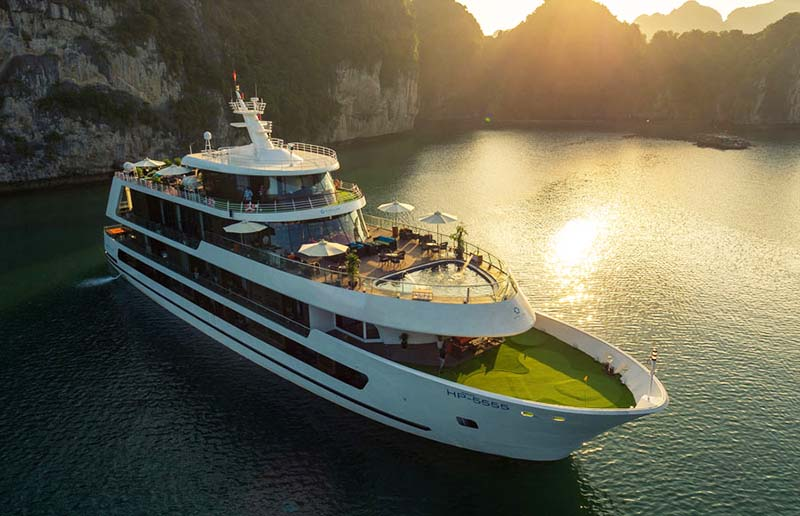 Stellar of the Seas in Halong Bay