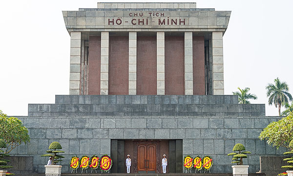 Ho Chi Minh Mausoleum suspends visits as Covid-19 spirals